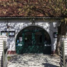 Dunagyöngye Halászcsárda bejárata